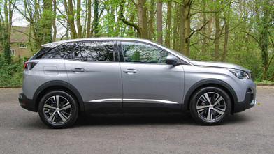 Peugeot 3008 Allure 1.6 BlueHDi SUV Side