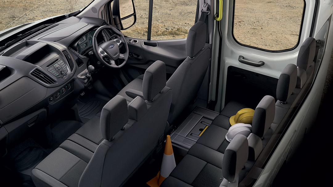 Ford Transit Double-Cab-In-Van 7 Seater